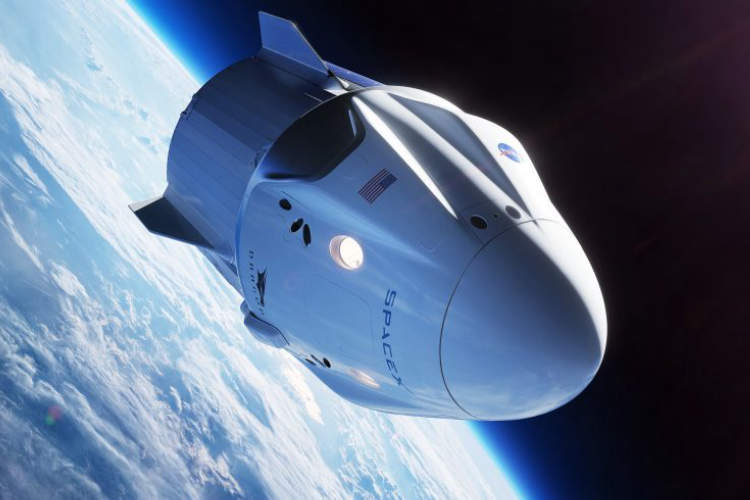 SpaceX looks to launch space tourists to record heights